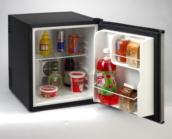 Avanti 1.7 CF Black with Stainless Steel Door Superconductor Refrigerator AC/DC SHP1712SDC-IS